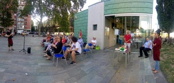 Il Caffè Reggio fa da palcoscenico alle #letturemobili
